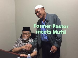 Former Pastor, Now a Muslim!